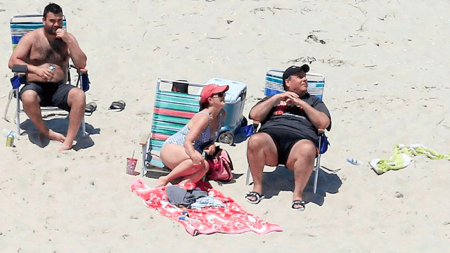 Chris Christie shut down a beach for everyone but his family and Twitter is throwing shade.