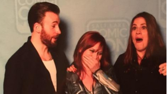 Captain America and Agent Carter helped fans get engaged—right in the middle of a photo-op.