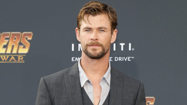 Chris Hemsworth's scary story about sneaking daughter on rollercoaster proves height requirements matter.