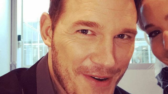 Chris Pratt is spending his press tour hilariously cropping Jennifer Lawrence out of all his photos.