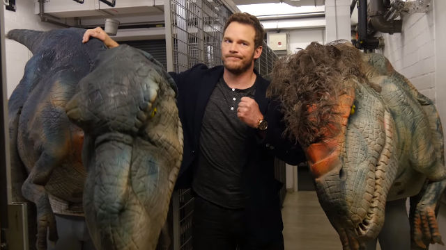Chris Pratt responds awesomely to terrifying dinosaur prank.