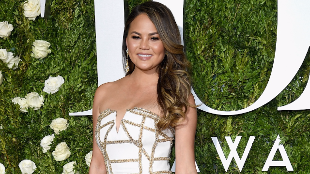 Chrissy Teigen tried on ballet shoes and her Instagram followers freaked out.