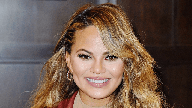 Chrissy Teigen started a glorious war between blender companies on Twitter.