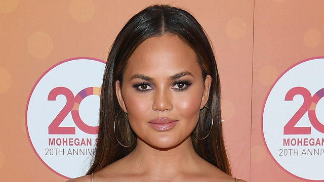 Chrissy Teigen changed her hair and hopefully not her personality.