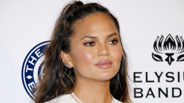 Chrissy Teigen responding to Kylie Jenner's pregnancy is a gift from the internet gods.
