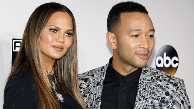 Chrissy Teigen shared the 'five tasks' you must complete at the Vanity Fair Oscars party in a series of tweets.