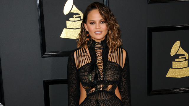 Chrissy Teigen reveals the best way to help someone suffering from depression.