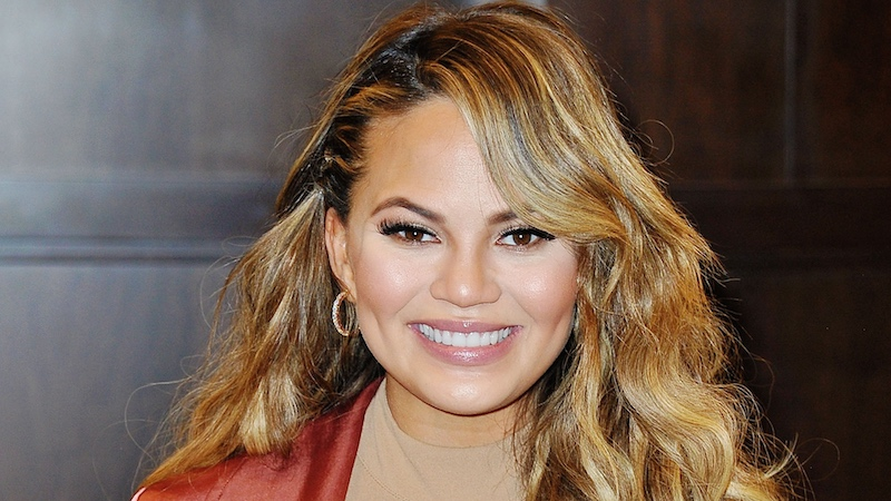 Chrissy Teigen proudly shares pic of her stretch marks because she 'likes the pattern.' It's a cool pattern.