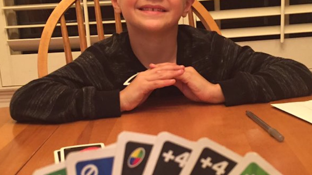 Former MLB pitcher crushing his son in Uno goes unintentionally viral.