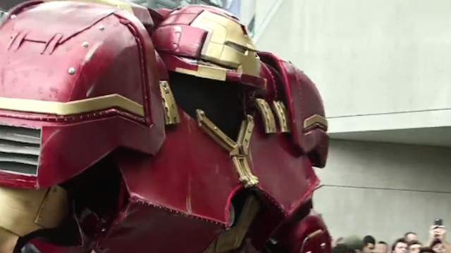 Here's the most insane cosplayer at this year's Comic Con, hands down.