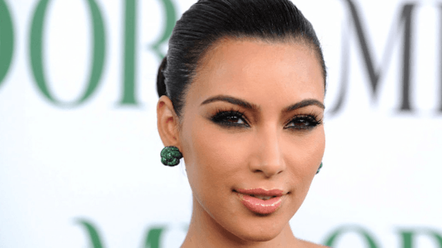 Security guard lashes out at the Paris hotel that put Kim Kardashian at risk.