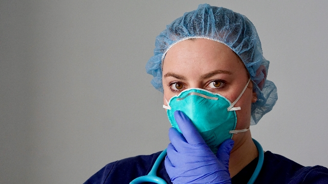 5 viral coronavirus stories to read while preparing for quarantine.