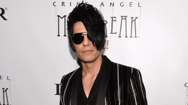 Criss Angel was rushed to the hospital after going limp during a straight jacket stunt.