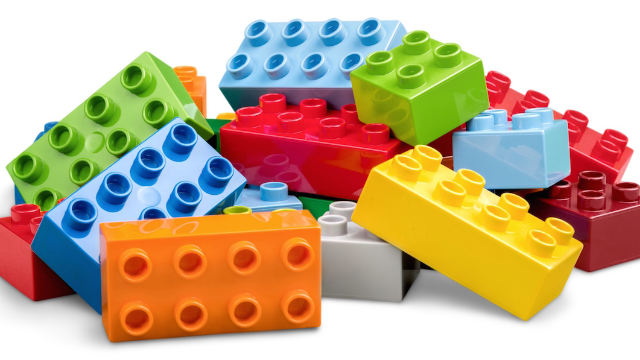 A dad cruelly mocked his son's LEGO tournament. The internet took him down.