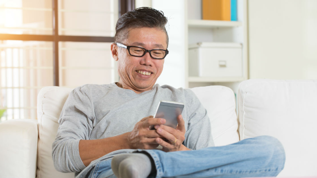This video of a dad reading his son's favorite memes has Twitter LOLing.