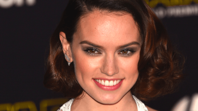 Daisy Ridley accidentally dyed herself yellow in what may or may not be an Episode VIII spoiler.