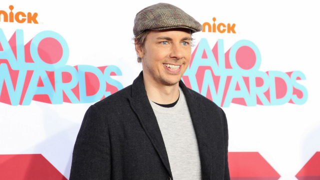 Dax Shepard shuts down woman who claimed he cheated on Kristen Bell with her. He has receipts.