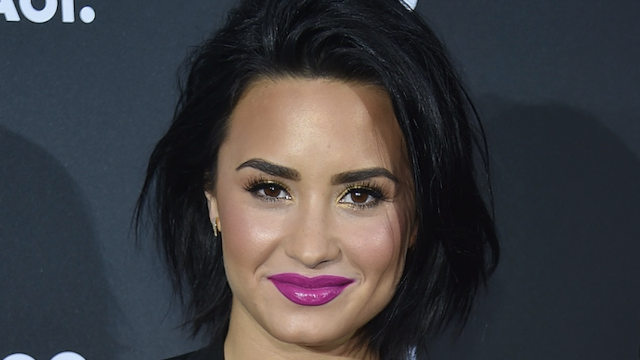 Demi Lovato shares photo to prove eating disorder recovery is possible.
