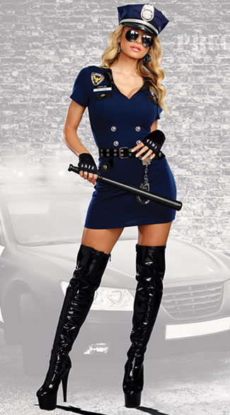 13 Halloween costumes that say 'I'm sexy and I read the ...