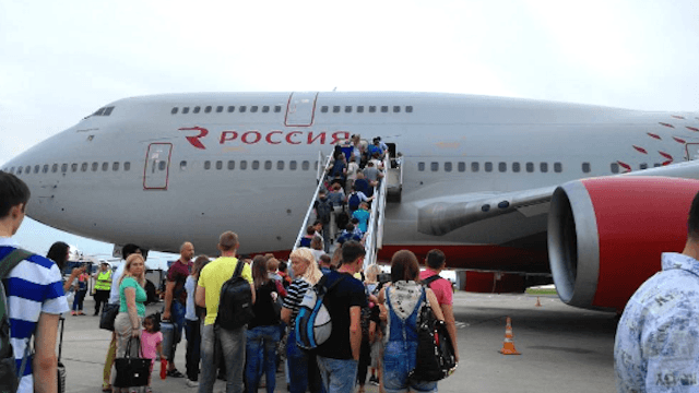 Woman's urgent decision to get divorced causes seven-hour delay on Russian flight.