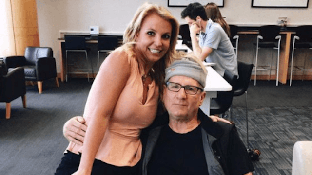 'Modern Family' star thought this was just some random fan who wanted a photo. It was Britney Spears.
