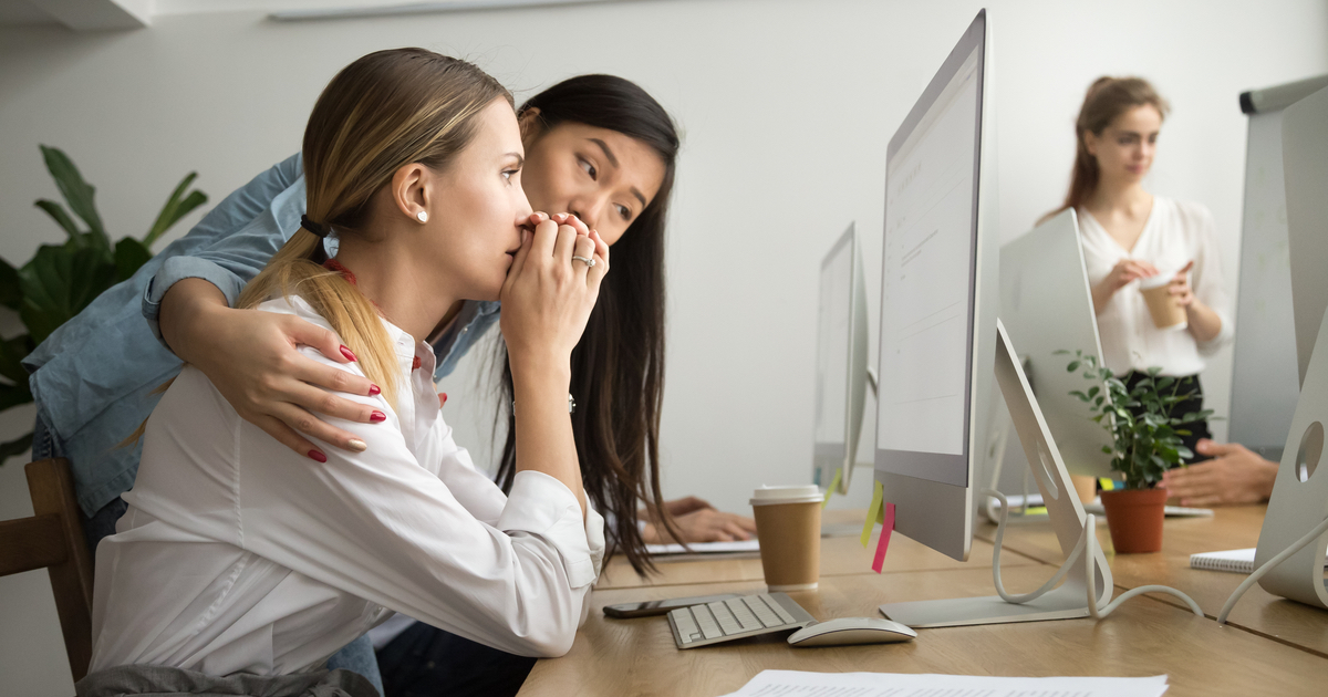 12 people divulge the most f*cked up things coworkers did without getting fired. Paging HR.