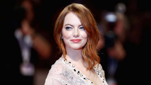 Emma Stone got called out for 'whitewashing' at the Golden Globes and responded by heckling.