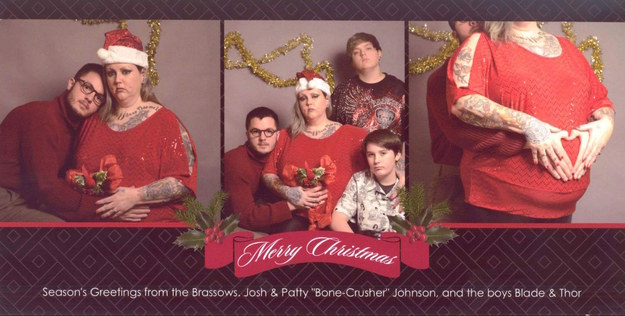 Student pranks his family back home by posing with a fake family for student pranks his family back home by posing with a fake family for his christmas card m4hsunfo