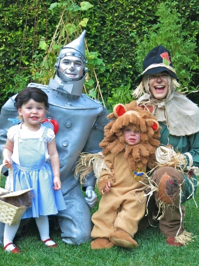 Lions and Tin Men and Scarecrows, oh my!