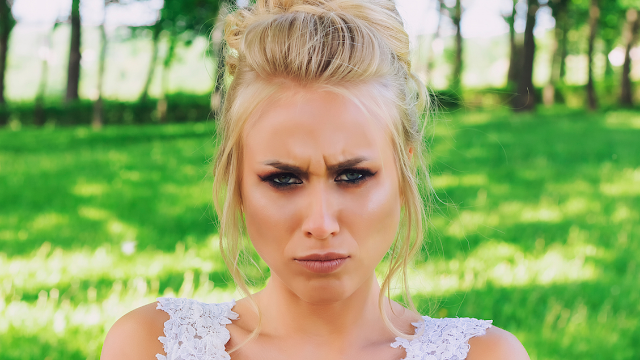 Entitled bride asks long lost makeup artist 'friend' to work for free. It doesn't end well.