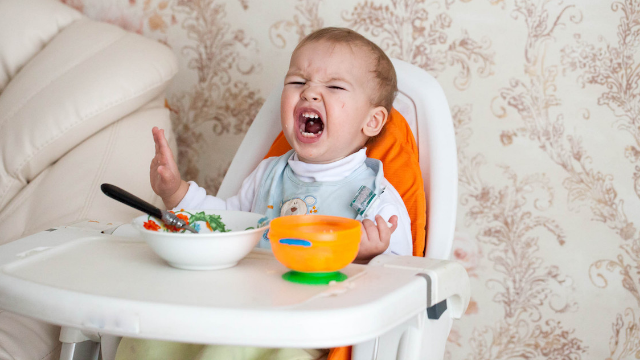 Man asks if he's wrong for teasing screaming child in restaurant.