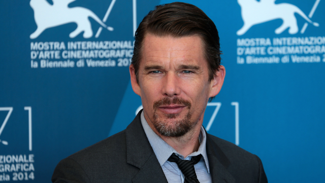 Ethan Hawke shares weirdly heartwarming story of the time his co-star died on stage.