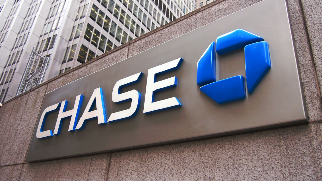 Everyone's dragging Chase Bank for their tone deaf budgeting advice. Down with the man