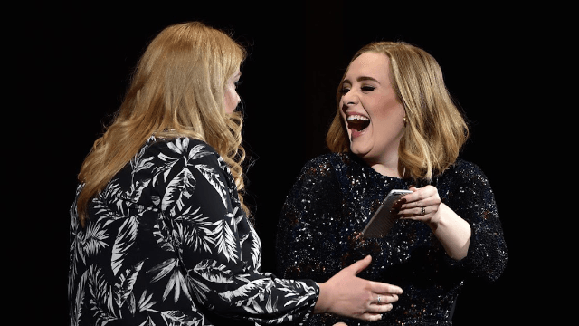 A Facebook scammer had an epic meltdown after getting brilliantly trolled with Adele lyrics.