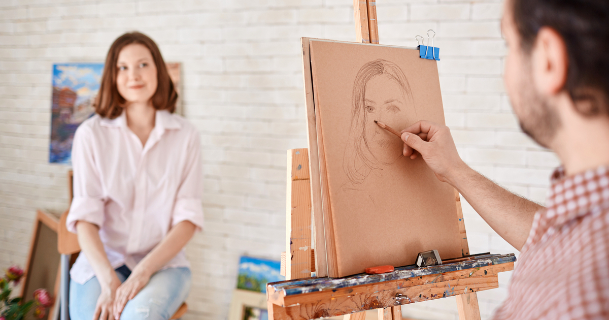 Freeloader tries to get 'friend' to make her a drawing for free. Then she loses her sh*t.