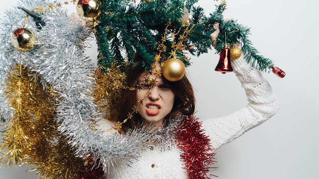 20 people answer the question: 'What's the worst holiday fail your family has had?'
