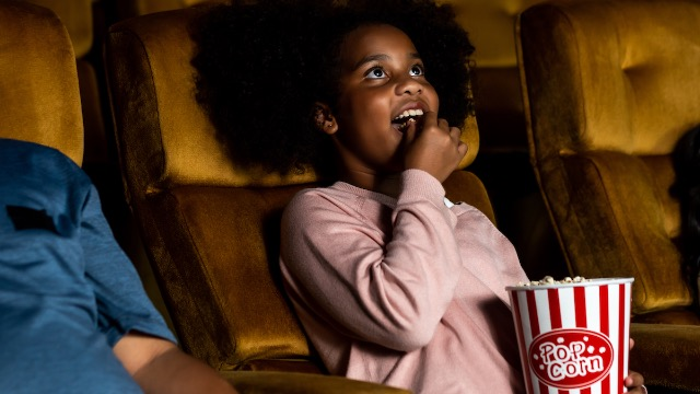 31 people share their funniest and most memorable experiences in a movie theater.
