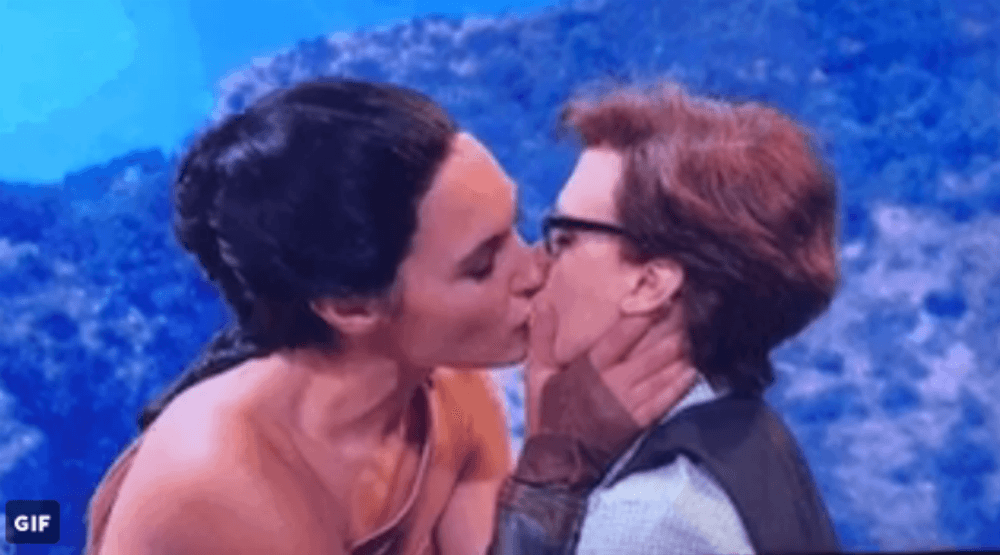 Gal Gadot made out with Kate McKinnon on SNL, and Twitter is mad jealous.