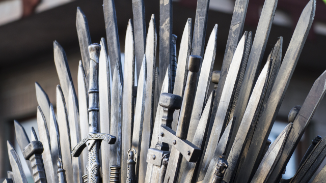 Guy begs not to make 'Game of Thrones' political and gets dragged to the seven hells.