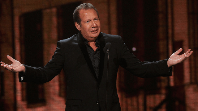 Celebs react to the death of comedy legend Garry Shandling.