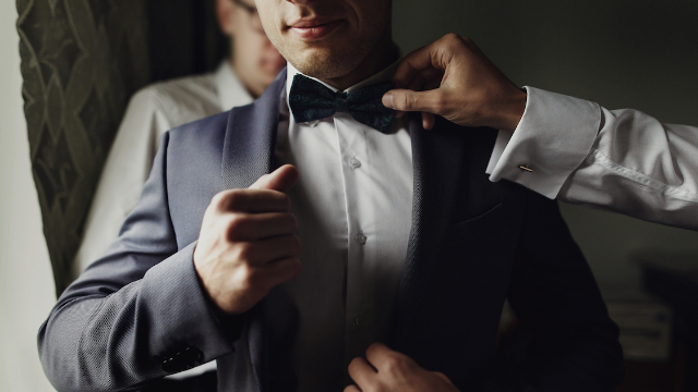 Gay man asks internet if he can ditch his brother's wedding after being told to 'act straight.'