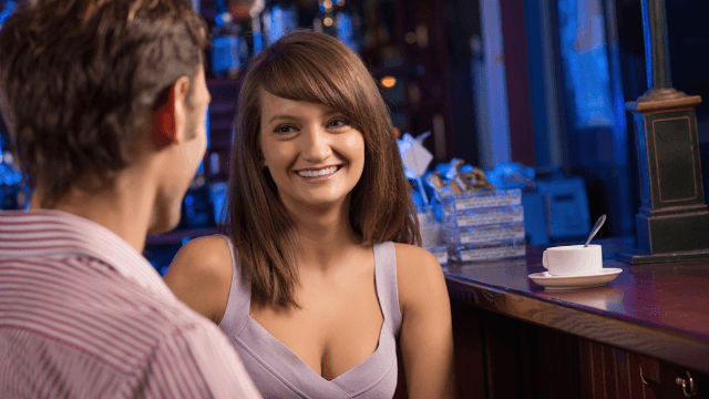 A girl let a guy buy her a drink at a bar, then got the worst text from him weeks later.