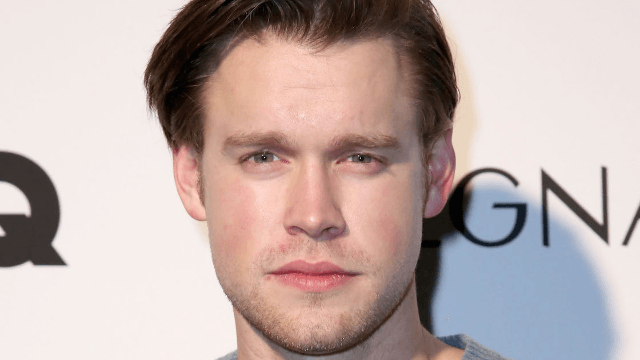 Chord Overstreet from \'Glee\' has abs so perfect, you\'ll pretend you ...