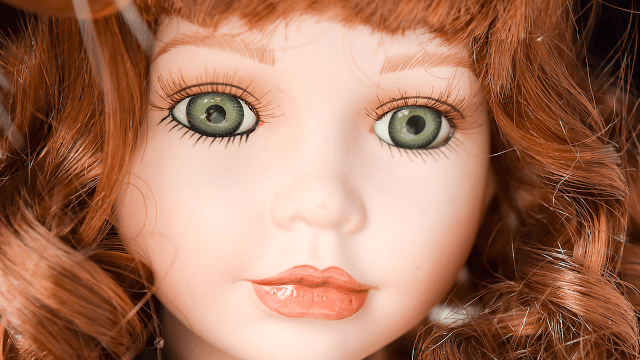 This granddad's accidental doll makeover is giving Twitter nightmares.