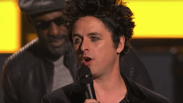 Green Day secures the 2004 vote by changing 'American Idiot' for Donald Trump.