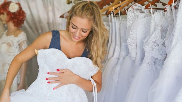Groom asks if he was wrong to give bride brutally honest opinion of her wedding dress.
