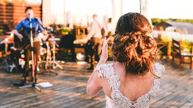 Wedding singer reacts to groom offering to pay him with 'good word' to bridesmaids.
