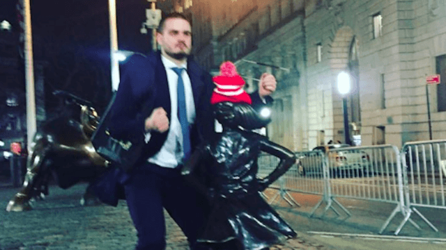 Gross idiot bro becomes symbol of rape culture by humping Wall Street's 'Fearless Girl' statue.