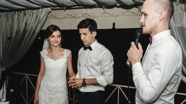 16 horror stories of guests stealing the mic at wedding receptions.
