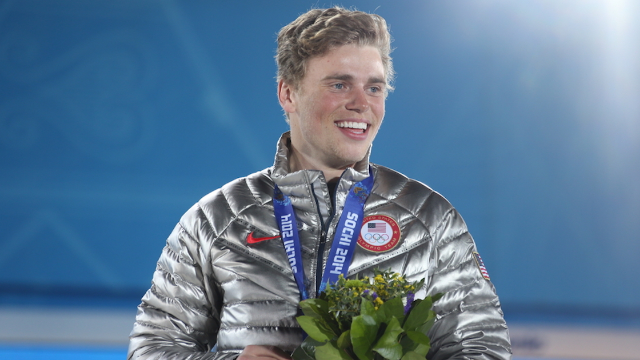 Olympic skier uses his injury to hilariously burn Mike Pence, deserves a gold medal.